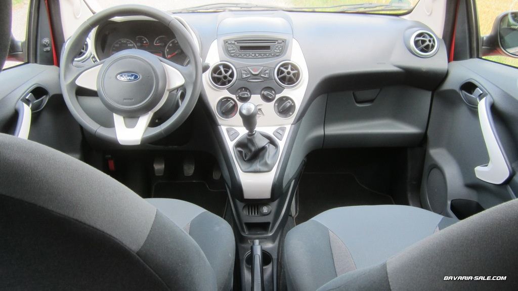 bavaria ford ka 1 2 titanium klima 37000km. Black Bedroom Furniture Sets. Home Design Ideas