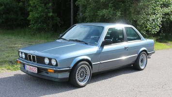 BMW 318 i E30 2-trg M10 Motor